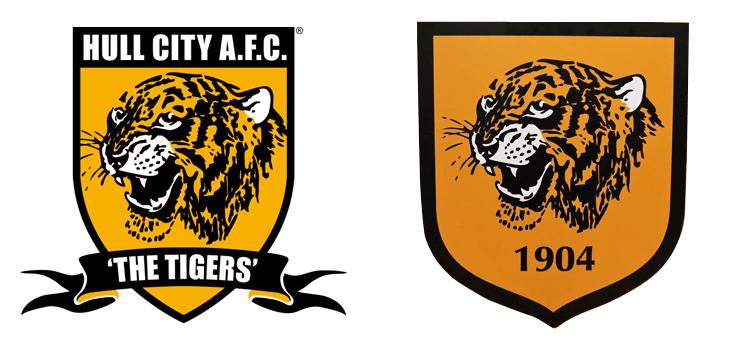 Слева - старый логотип, справа - новый